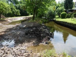 das neue Flussbett zeichnet sich ab