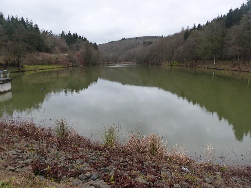 Blick auf die Talsperre - vom Damm aus