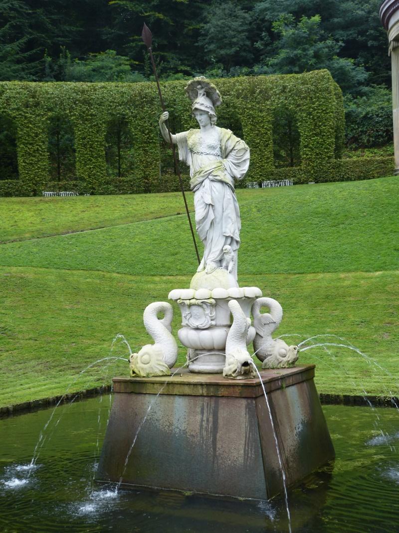 Brunnen der Minerva / Athena
