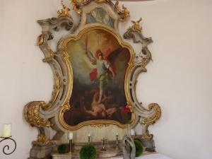 der Altar = St. Michael