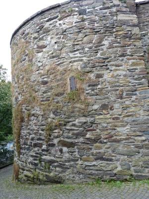 gut erhaltener Teil der mittelalterlichen Stadtmauer