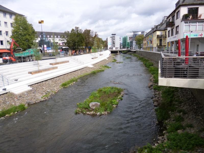 Flussbett der Seg - vom Beton befreit