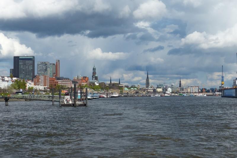 Blick auf St. Pauli - Richtung Binnenhafen