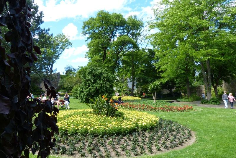 Blick in den vom Grünflächenamt gepflegten Schlosspark