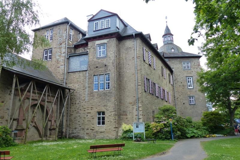 das Obere Schloss = Siegerlandmuseum seit 1905