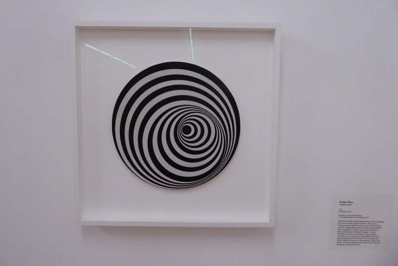 Bridget Riley - Uneasy Centre