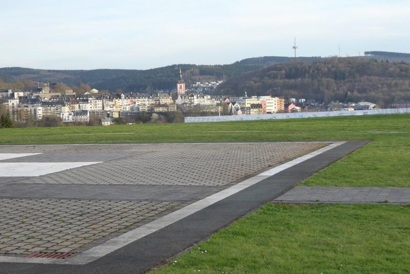 Blick vom Hubschrauberlandeplatz auf die Siegener Oberstadt