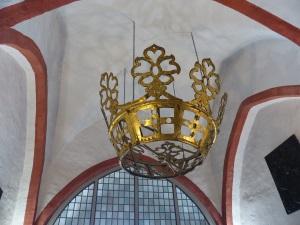 das Original-Krönchen im Kircheneingang
